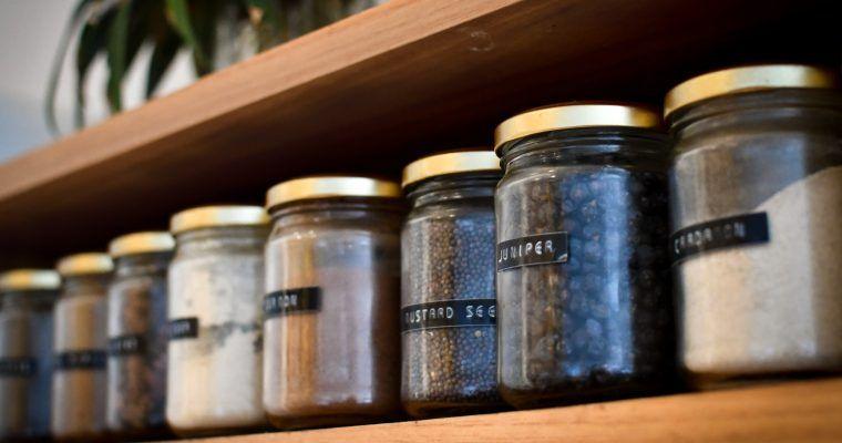 Cómo quitar las etiquetas de los tarros de cristal