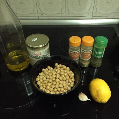 Ingredientes para hummus casero